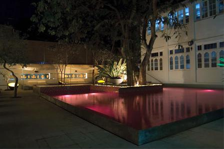 Hotel Casa Colombo pink pool